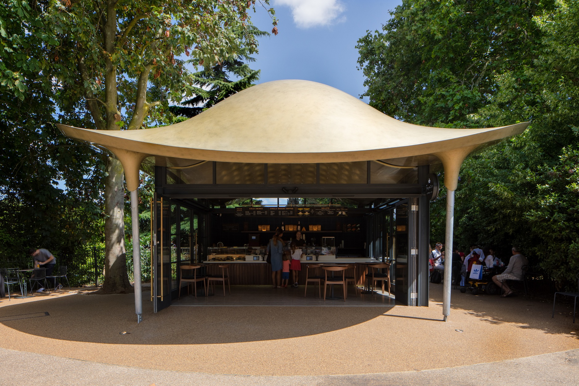 London's New Serpentine Coffee House Slithers Into Hyde Park