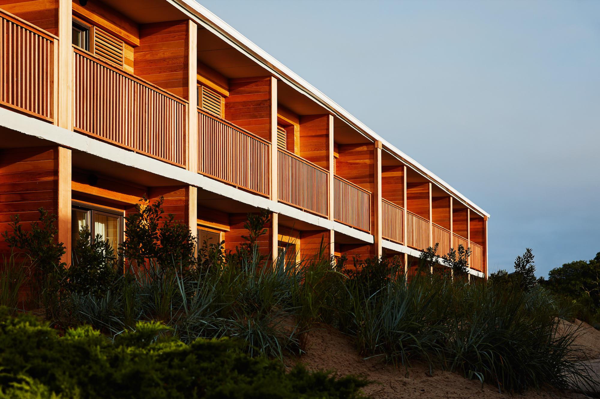 The Spirit of Jose Ignacio Pervades a Montauk Beach Motel – SURFACE