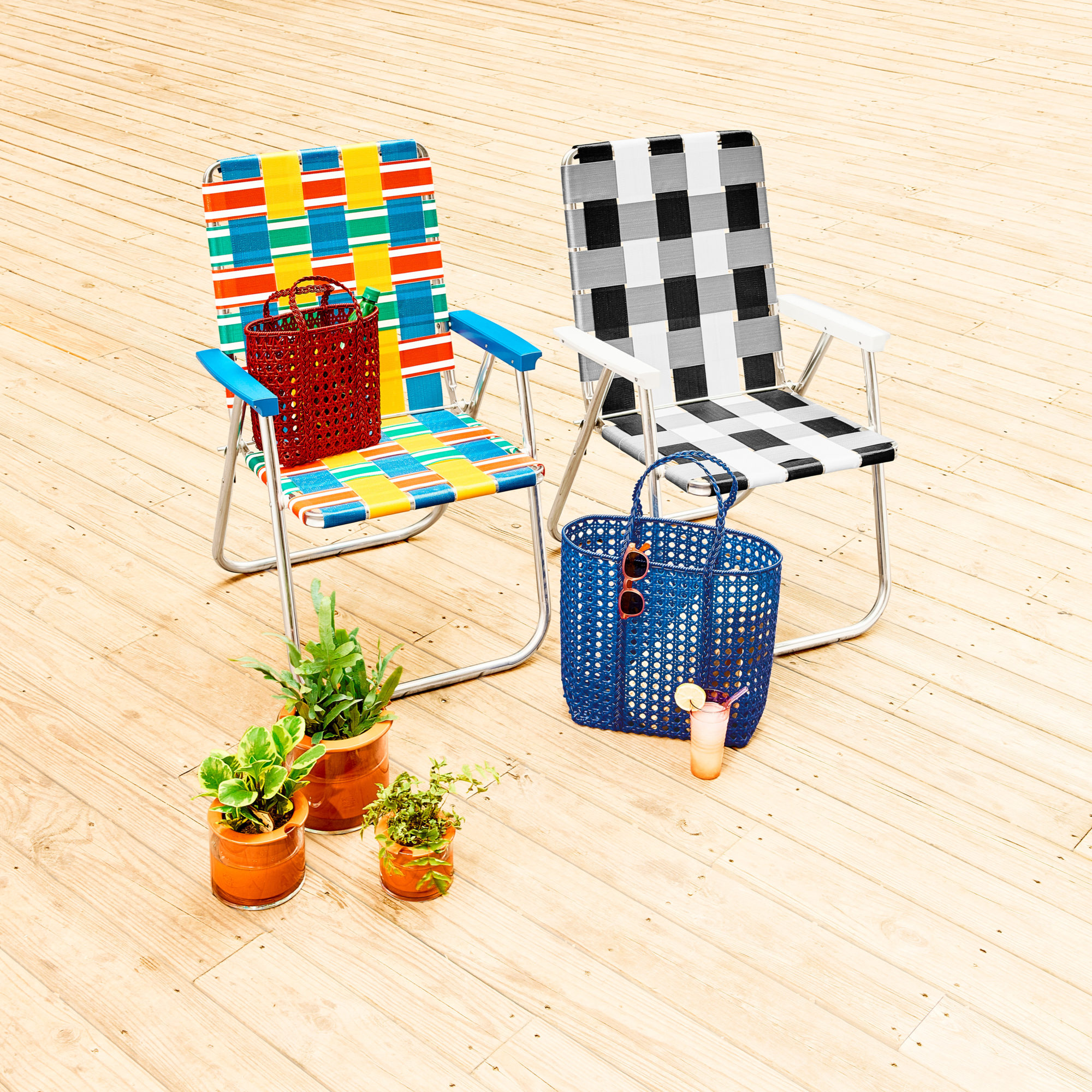 The History Of The Lawn Chair And The Trusty Company Keeping It Intact Surface